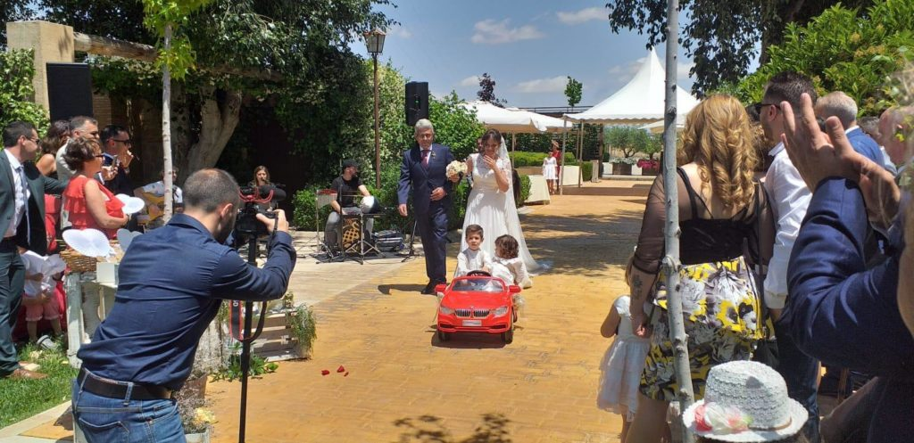 boda muy especial hijos en bmw