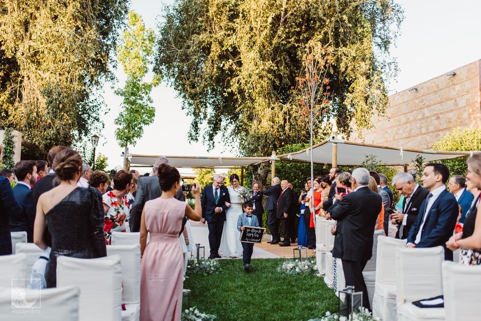 boda llena de romanticismo entrada
