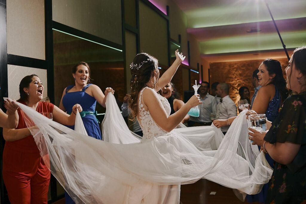 boda llena de felicidad