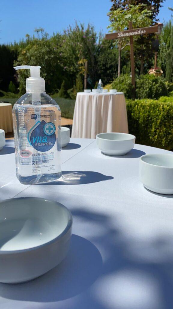gel hidroalcohólico en las bodas en la nueva normalidad