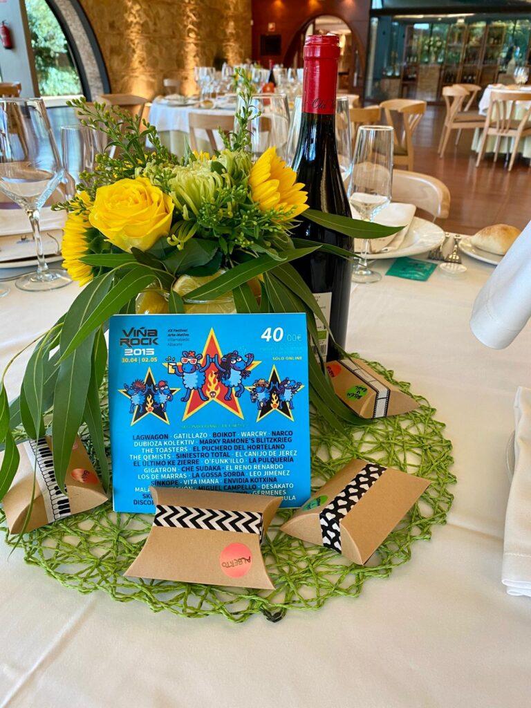 mesas de boda festivalera